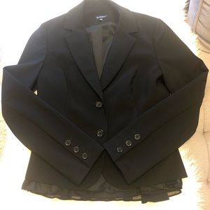 Le chateau fitted blazer with back ruffle - small